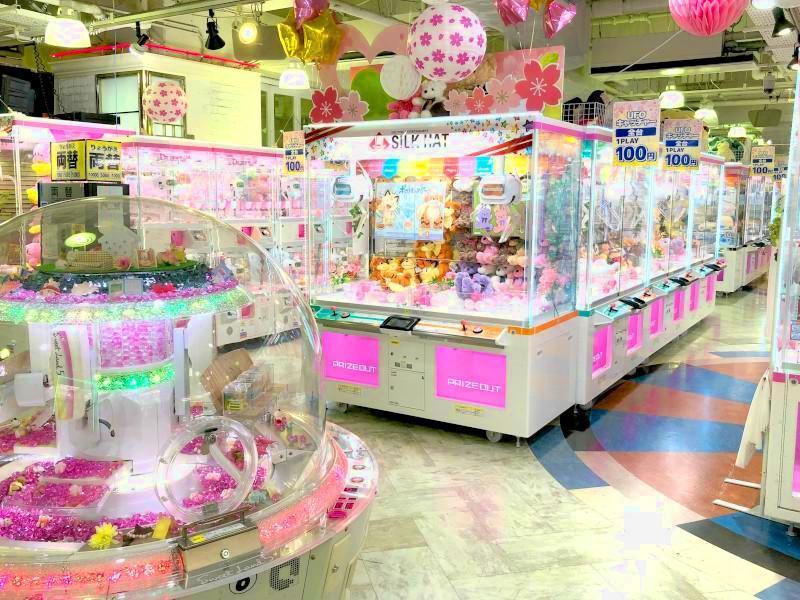 川崎駅付近のゲームセンター「シルクハット川崎」の店内写真