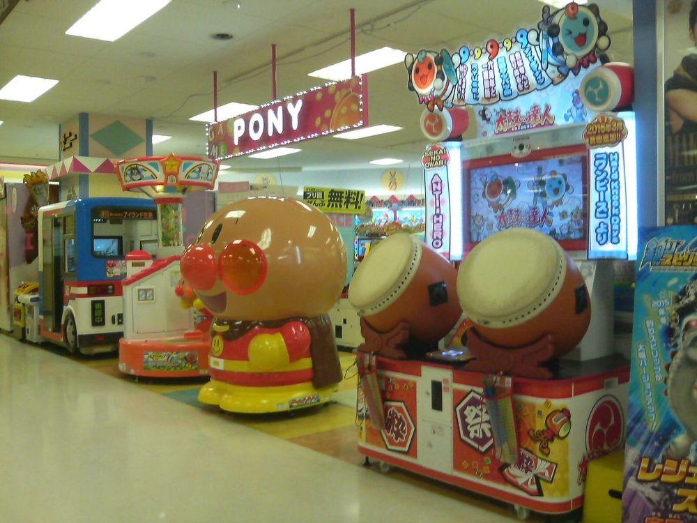 武蔵境駅周辺でクレーンゲームができるスポット「ポニー武蔵境店」外観