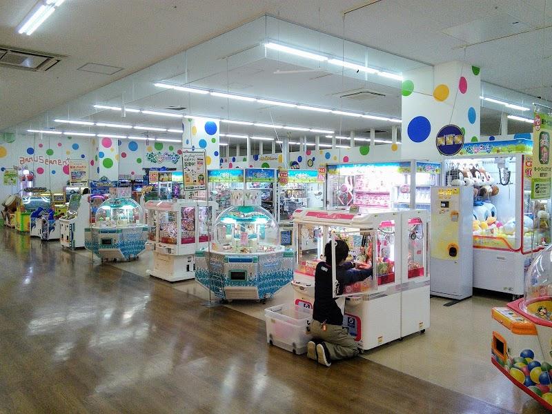 小田栄駅でクレーンゲームができるスポット「モーリーファンタジー川崎小田栄店」内観