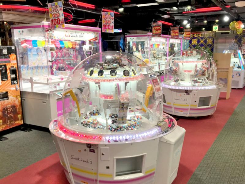 八王子駅周辺でクレーンゲームができるスポット「シルクハット八王子」内観